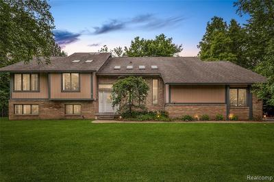 Bloomfield Hills Single Family Home For Sale: 1895 Marie Circle