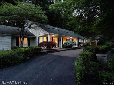 Bloomfield Hills Single Family Home For Sale: 4785 Pickering Rd