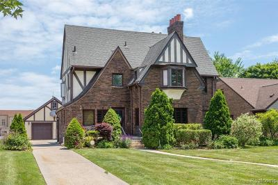 Grosse Pointe Park Single Family Home For Sale: 1428 Three Mile Dr