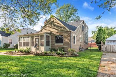 Saint Clair Shores Single Family Home For Sale: 20507 Gaukler