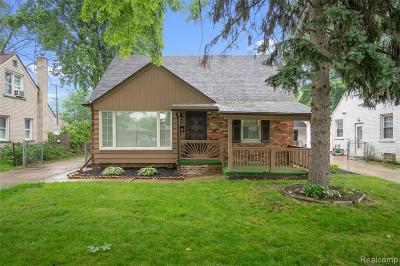Saint Clair Shores Single Family Home For Sale: 22715 Rosedale St