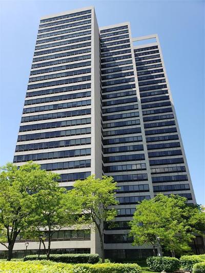 Detroit Condo/Townhouse For Sale: 300 W Riverfront