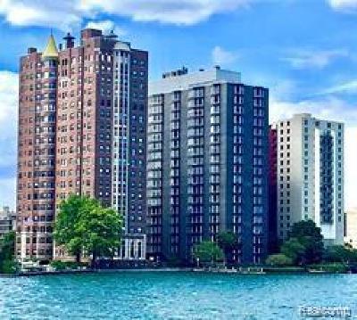 Detroit Condo/Townhouse For Sale: 8200 E. Jefferson Ave
