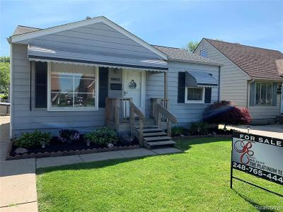 Macomb Single Family Home For Sale: 23304 Willard Ave