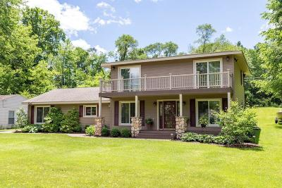 Single Family Home For Sale: 14049 Edgewater Dr