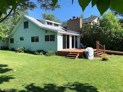 Oakland Single Family Home For Sale: 2956 White Oak Beach