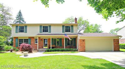 Oakland Single Family Home For Sale: 31243 Cline Dr