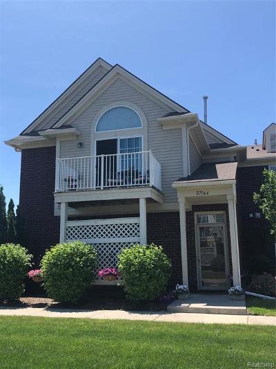 Harrison Twp Condo/Townhouse For Sale: 27064 Carrington Pl