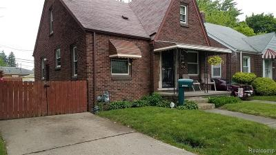 Detroit Single Family Home For Sale: 20483 Veach St