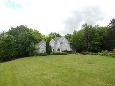 Flushing Single Family Home For Sale: 3246 Fieldstone Dr