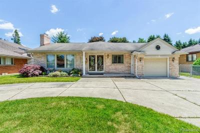 Dearborn Heights Single Family Home For Sale: 25539 Loch Lomond Dr