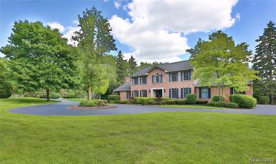 Bloomfield Hills Single Family Home For Sale: 375 W Hickory Grove Rd