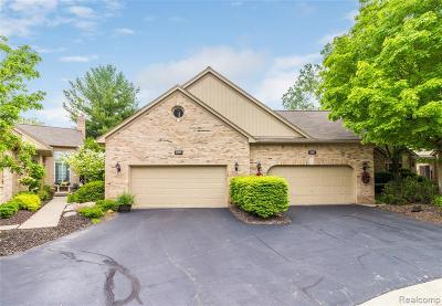 Shelby Twp Condo/Townhouse For Sale: 2225 Juniper Crt
