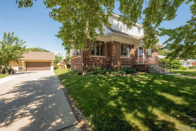 Dearborn Heights Single Family Home For Sale: 6261 Gulley Rd