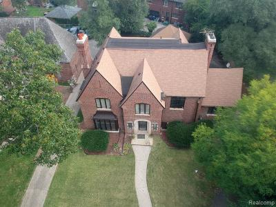 Detroit Single Family Home For Sale: 19180 Canterbury Rd