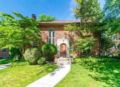 Grosse Pointe Park Single Family Home For Sale: 926 Bedford Rd