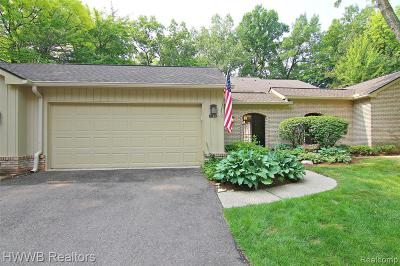 Bloomfield Hills Condo/Townhouse For Sale: 1188 Glenpointe Crt