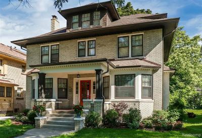 Detroit Single Family Home For Sale: 1615 Chicago Blvd