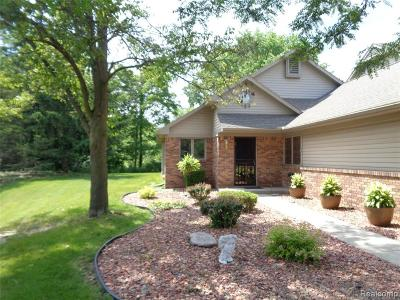 Wayne Condo/Townhouse For Sale: 3368 Rivers Edge Dr