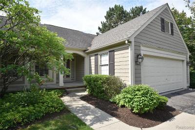 Bloomfield Hills Condo/Townhouse For Sale: 776 Edgemont Run