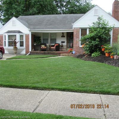 Harper Woods Single Family Home For Sale: 20886 Beaufait St St