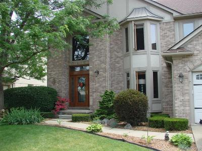 Macomb Twp Single Family Home For Sale: 52618 Woodmill Dr Dr