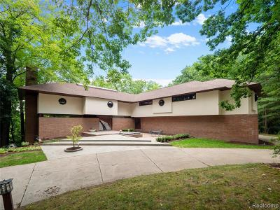 Bloomfield Hills Single Family Home For Sale: 1954 Sherwood Gln