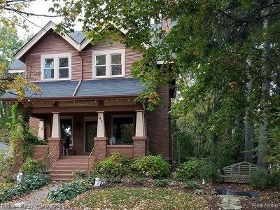 Romeo, Richmond Single Family Home For Sale: 140 Church St