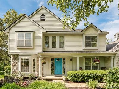 Lake Orion Single Family Home For Sale: 687 Bosco Dr