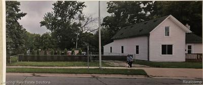 Mount Clemens Residential Lots & Land For Sale: 15 Southbound Gratiot Ave S