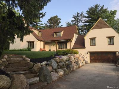 Lake Orion Single Family Home For Sale: 1040 Indianwood Rd