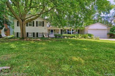 West Bloomfield Single Family Home For Sale: 6903 Post Oak Dr