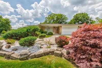 Dearborn Heights Single Family Home For Sale: 22209 Ann Arbor Trl