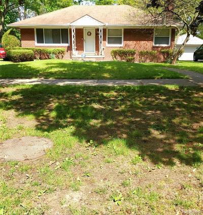 Oak Park Single Family Home For Sale: 24070 Majestic St