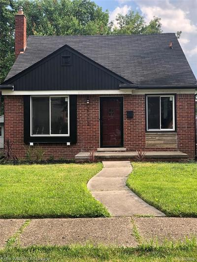 Harper Woods Single Family Home For Sale: 21712 Newcastle Rd