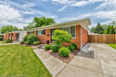 Royal Oak Single Family Home For Sale: 1512 E Windemere Ave