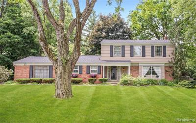 Bloomfield Hills Single Family Home For Sale: 1018 Brenthaven Dr