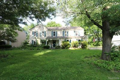 West Bloomfield Single Family Home For Sale: 5544 S Piccadilly