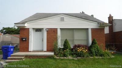 Fraser Single Family Home For Sale: 18327 E 13 Mile Rd