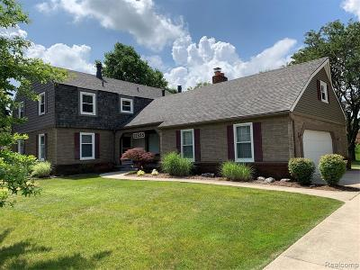 Farmington Hills Single Family Home For Sale: 22535 Shadowglen Dr
