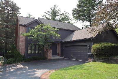 Bloomfield Hills Condo/Townhouse For Sale: 1892 Pine Ridge Ln