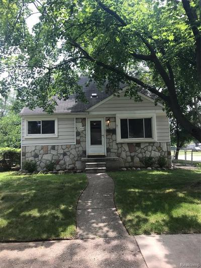 Clawson Single Family Home For Sale: 439 W Tacoma St S