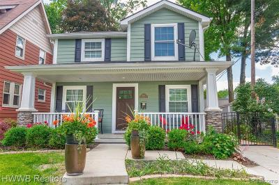 Royal Oak Single Family Home For Sale: 614 S Rembrandt Ave