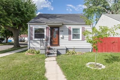 Lincoln Park Single Family Home For Sale: 2196 Reo Ave