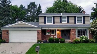 Northville Single Family Home For Sale: 15720 Robinwood Dr