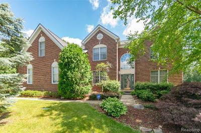 Clarkston Single Family Home For Sale: 5318 Glenwood Crk