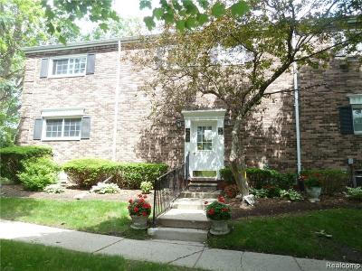 Bloomfield Hills Condo/Townhouse For Sale: 574 E Fox Hills Dr