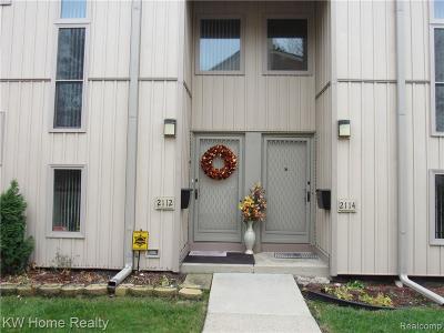 Detroit Condo/Townhouse For Sale: 2112 Hyde Park Drive St