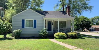Royal Oak Single Family Home For Sale: 1402 E Lincoln Ave