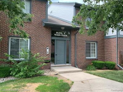 Macomb Condo/Townhouse For Sale: 15424 Ashley Crt
